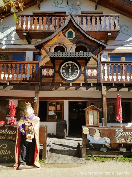 Bar de La Cumbrecita en Madera.